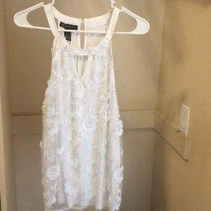 International concepts white flower dressy tank